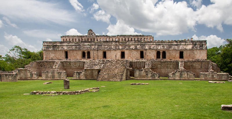 mayan mexico för kabah tempel yucatan royaltyfri foto