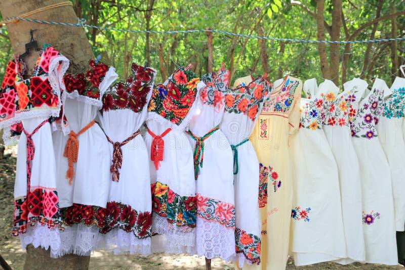 mayan mexico för klänningbroderi kvinna yucatan royaltyfria foton