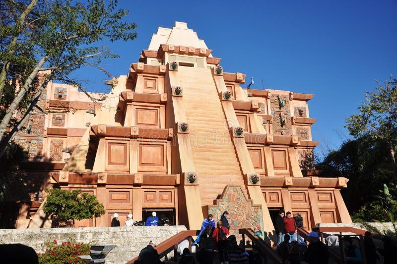 mayan orlando för disney epcot pyramid fotografering för bildbyråer