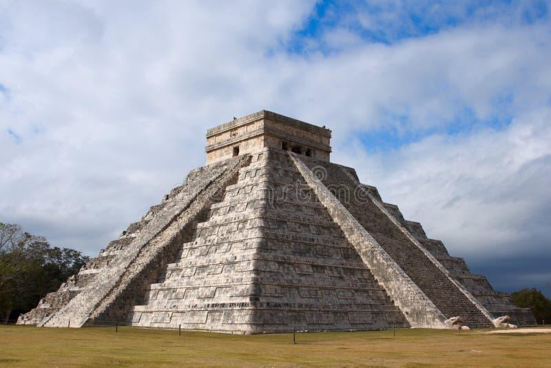 Mayan piramide in chichen-Itza, Mexico royalty-vrije stock foto's