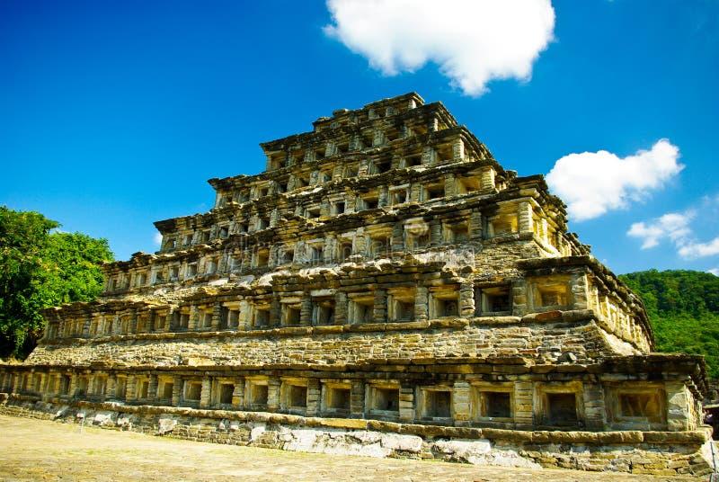 mayan pyramid royaltyfria bilder