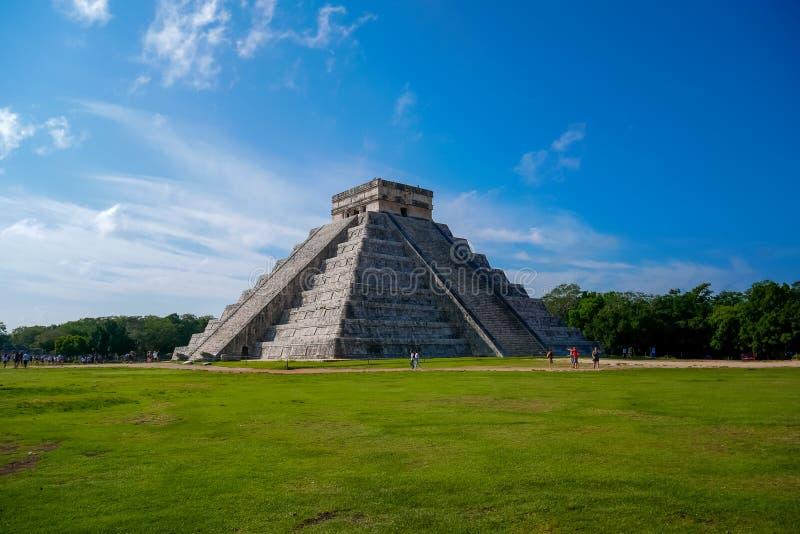 Mayan pyramid av Kukulkan fotografering för bildbyråer