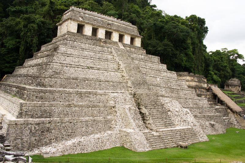 Mayan pyramid av Palenque arkivfoton