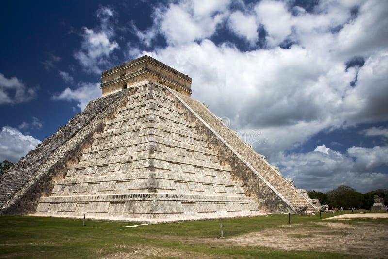 Mayan pyramid i Mexico royaltyfria foton