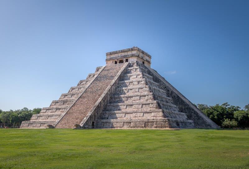 Mayan tempelpyramid av Kukulkan - Chichen Itza, Yucatan, Mexico arkivbilder