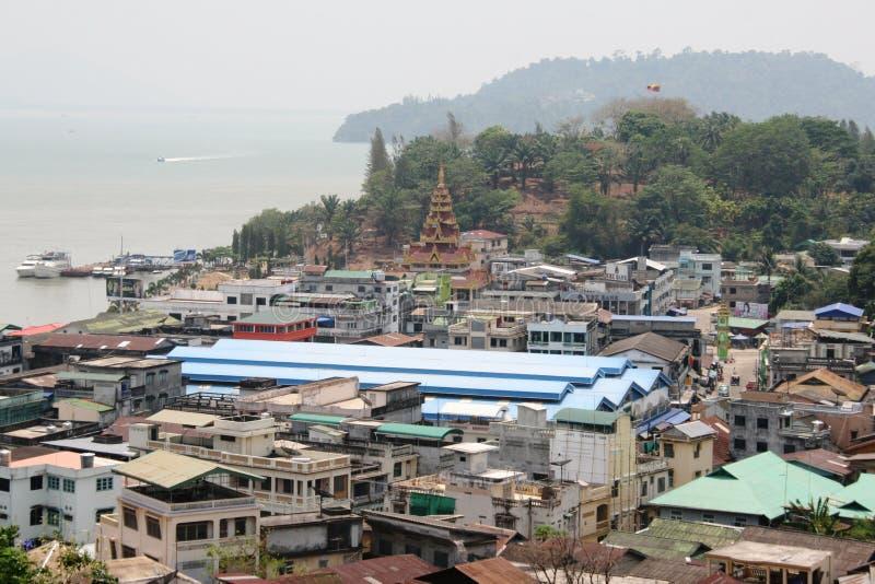 Mayanar/Birmania la terra dei contrasti immagine stock