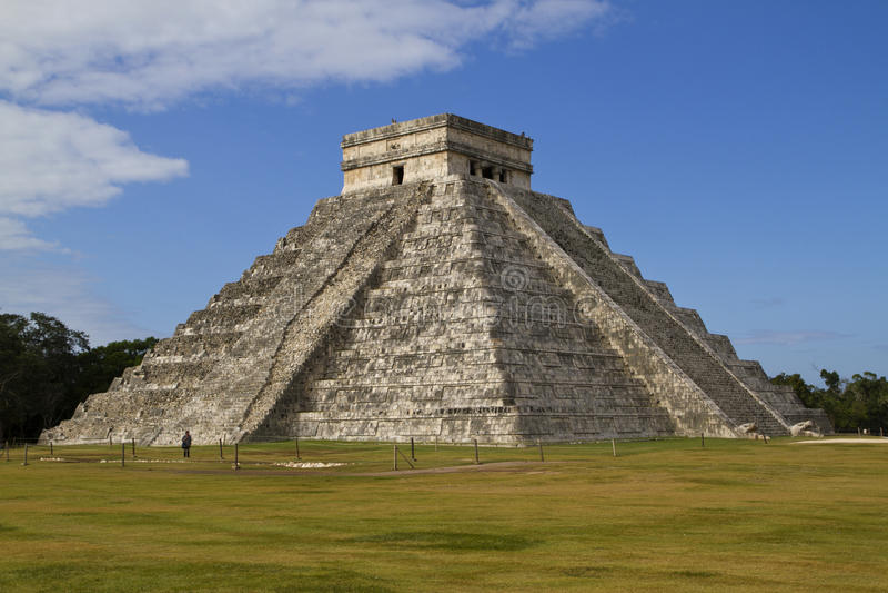 Mayapyramide Chichen Itza, Mexiko lizenzfreies stockfoto
