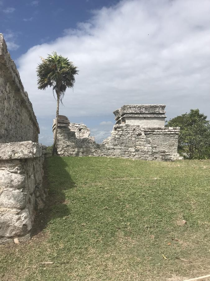 Mayaruinen Playa del Carmen Mexiko in Tulum lizenzfreie stockfotografie