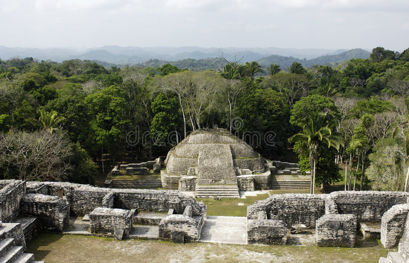 Mayatempel stockbilder