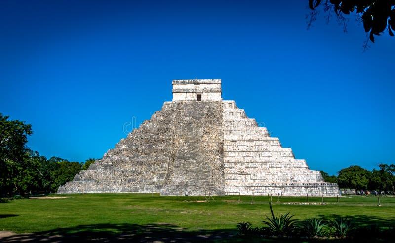 Download Mayatempelpyramide Von Kukulkan - Chichen Itza, Yucatan, Mexiko Stockfoto - Bild von struktur, anbetung: 90236814