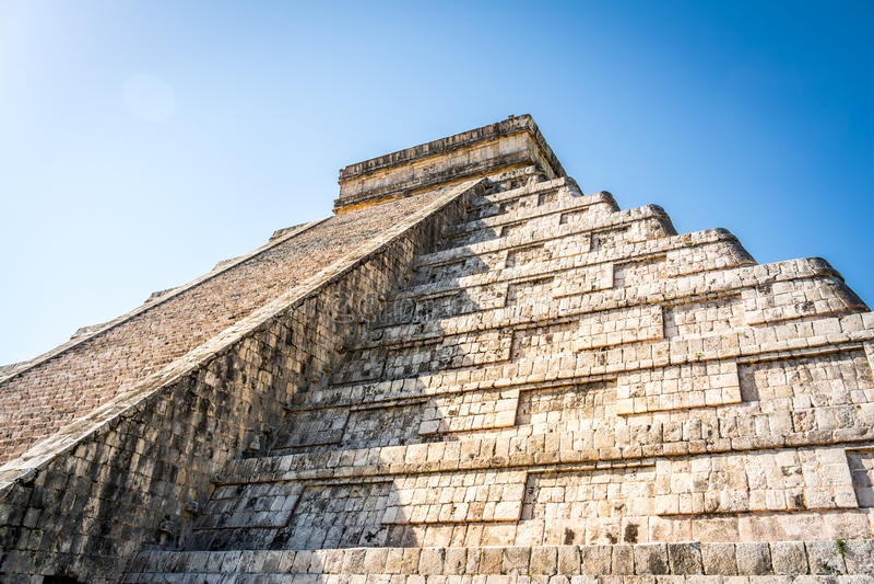 Download Mayatempelpyramide Von Kukulkan - Chichen Itza, Yucatan, Mexiko Stockbild - Bild von cancun, treppen: 90237225