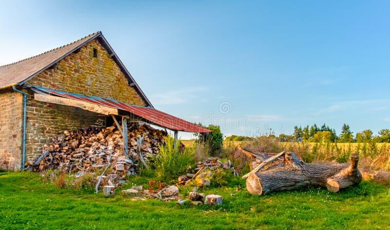 Mayenne ξύλινο υπόστεγο στοκ εικόνα