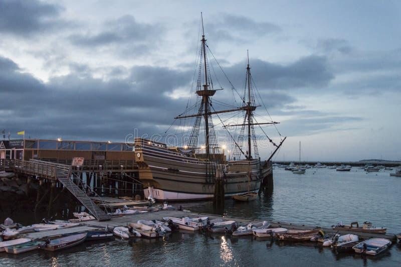 Mayflower przy półmrokiem zdjęcia royalty free