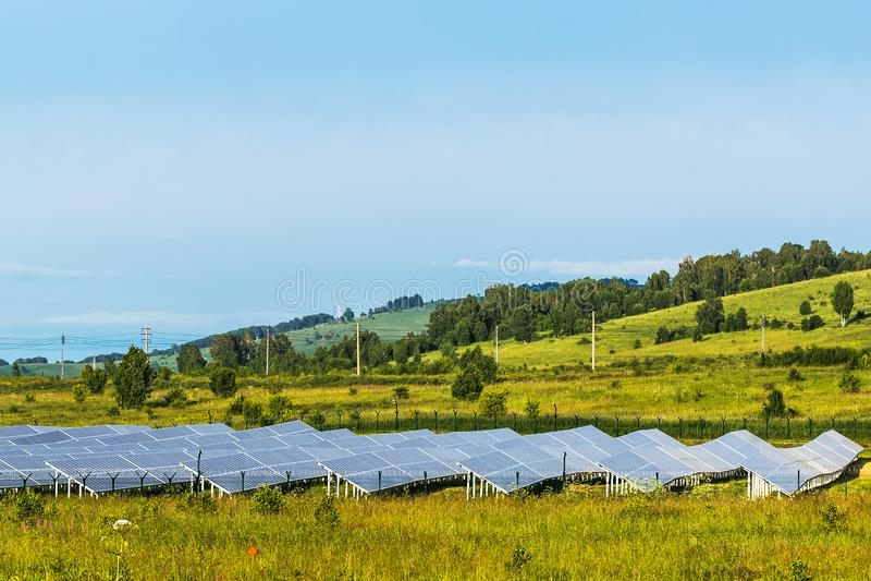 Mayminsky zonneelektrische centrale Altairepubliek, Rusland stock foto