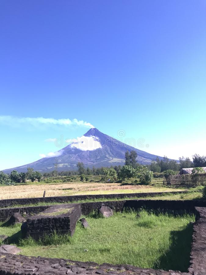Mayon火山 免版税图库摄影