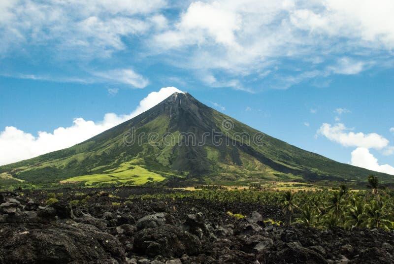 Mayon Vulkan lizenzfreie stockbilder