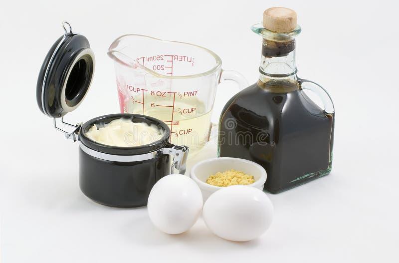 Mayonaise met ingrediënten stock afbeeldingen