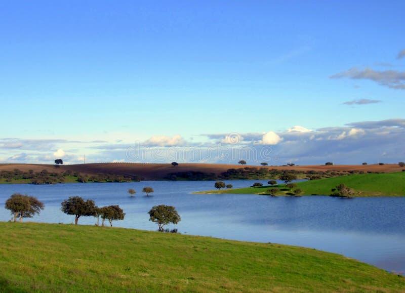 Mayor lago artificial Alqueva imágenes de archivo libres de regalías