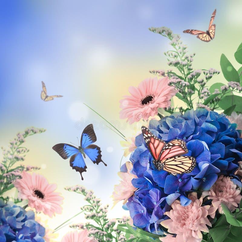 Ortensie Blu : Mazzo dalle ortensie blu immagini stock immagine