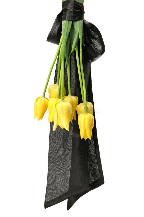 Mazzo dei fiori gialli per il funerale fotografia stock libera da diritti