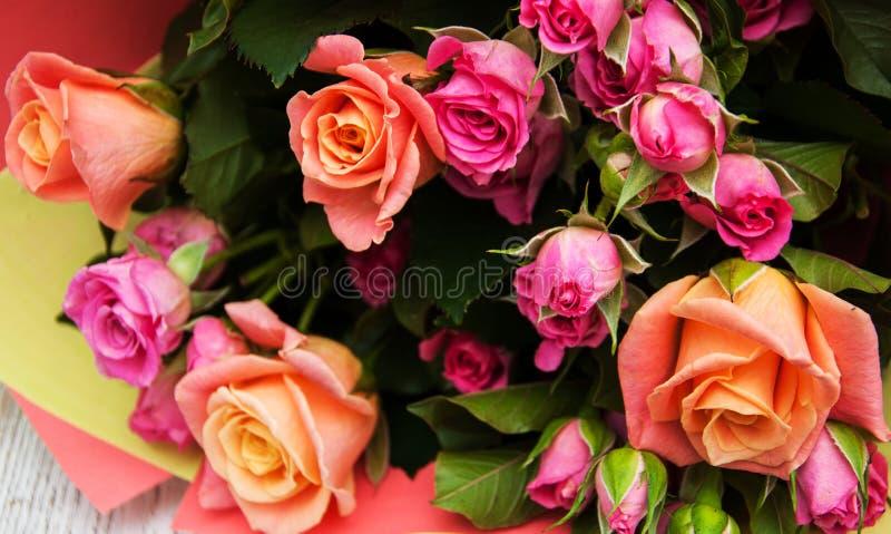 Mazzo delle rose dentellare immagini stock libere da diritti