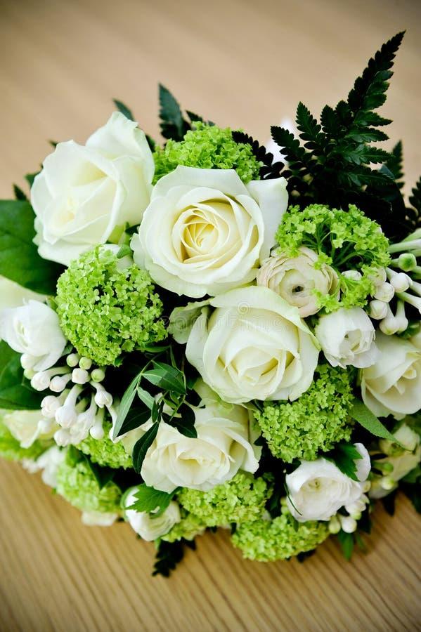 Mazzo delle rose di cerimonia nuziale fotografia stock