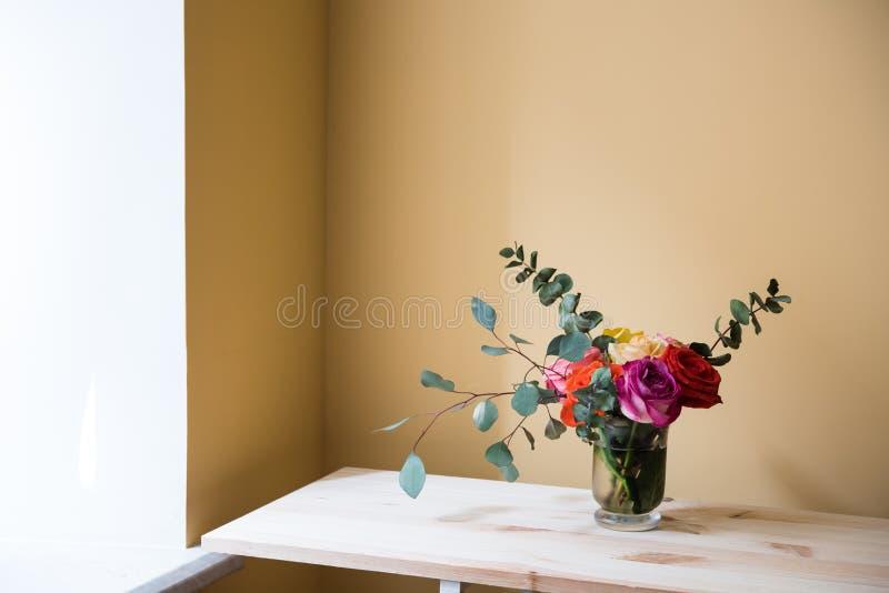 Mazzo delle rose variopinte fotografie stock libere da diritti