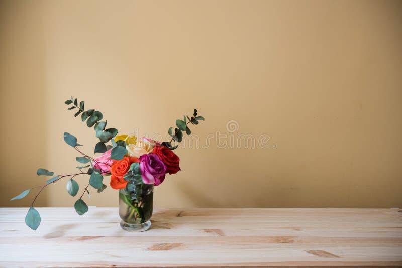 Mazzo delle rose variopinte fotografie stock