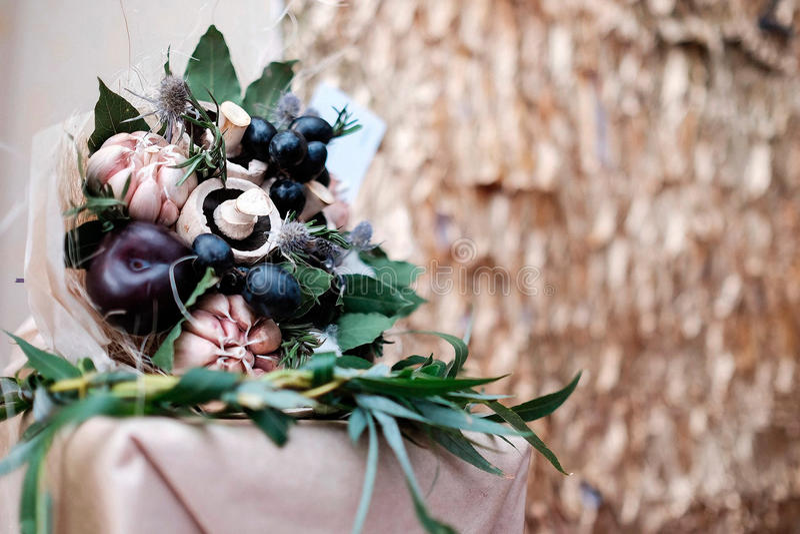 Mazzo delle verdure, della frutta e dei funghi immagine stock libera da diritti