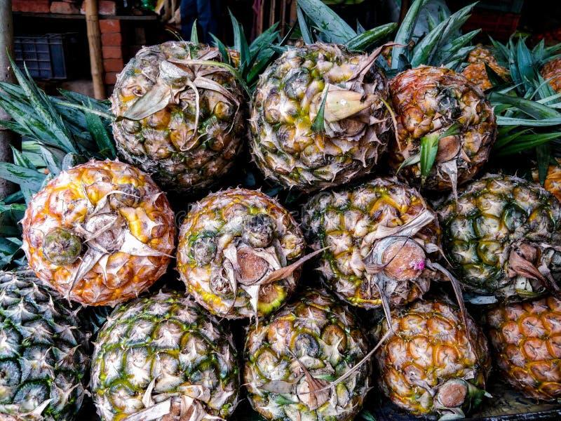 Mazzo di ananas fotografie stock