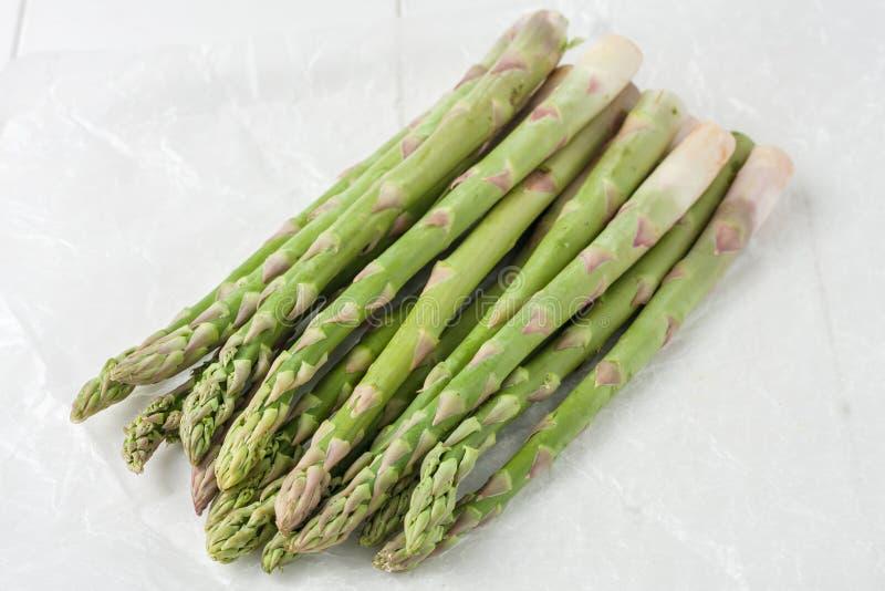 Mazzo di asparago maturo fresco immagine stock