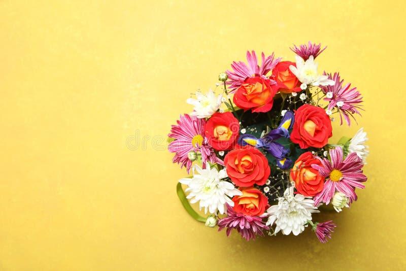 Mazzo di bei fiori differenti fotografia stock libera da diritti