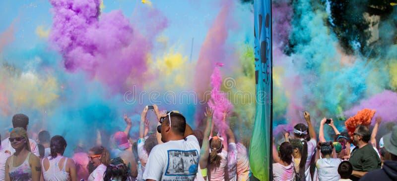 Mazzo di colore nel cielo immagine stock libera da diritti