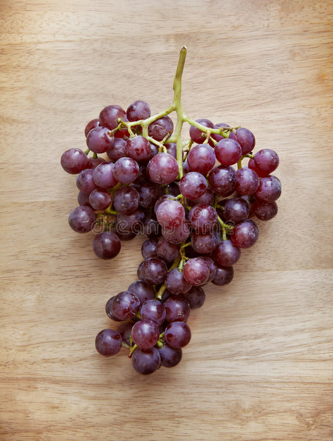 Mazzo di uva rossa fotografia stock libera da diritti