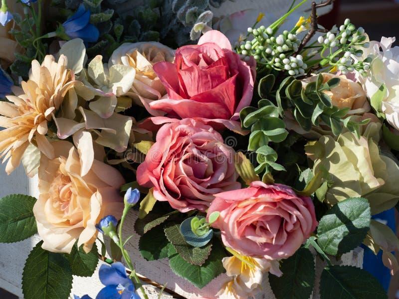 Mazzo di Weding dei fiori variopinti immagine stock libera da diritti