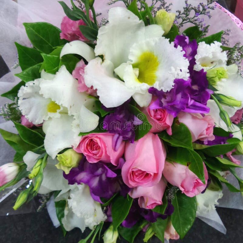 mazzo multicolore dei fiori fotografia stock