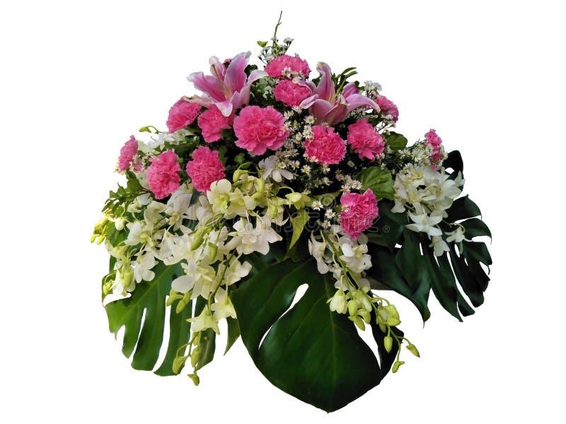 Mazzo, orchidea, garofano e margarite dei percorsi di ritaglio per decorativo nelle nozze o in biglietto di S. Valentino fotografia stock