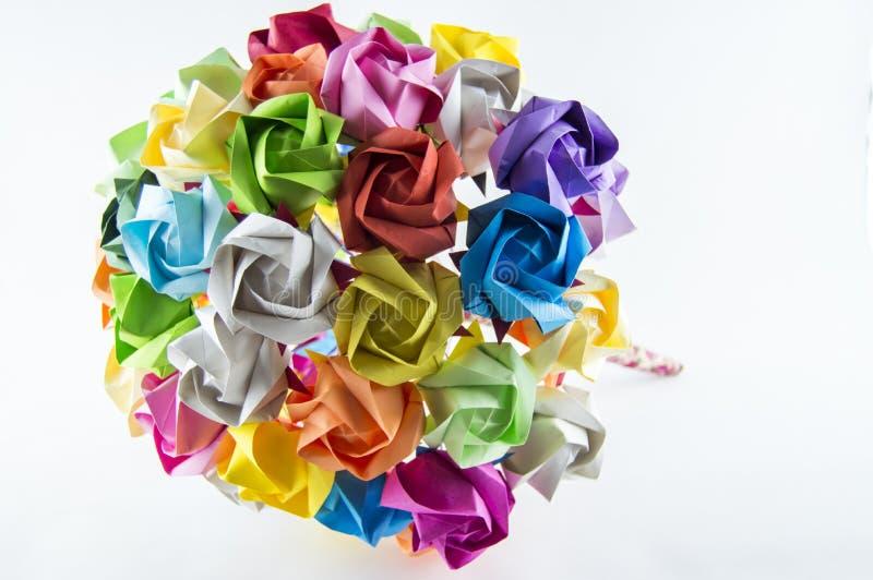 Mazzo variopinto del fiore di origami su fondo bianco immagini stock libere da diritti