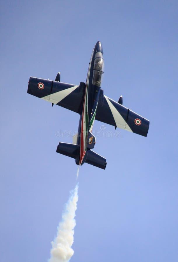 MB-339 итальянской циркаческой команды Frecce Tricolori стоковое фото rf