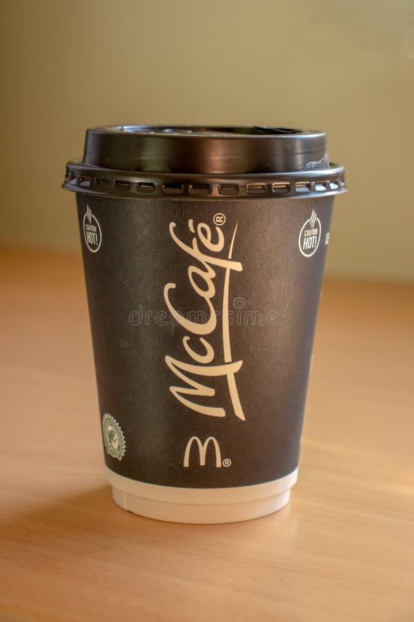 McDonaldkoffie om weg te halen stock afbeeldingen