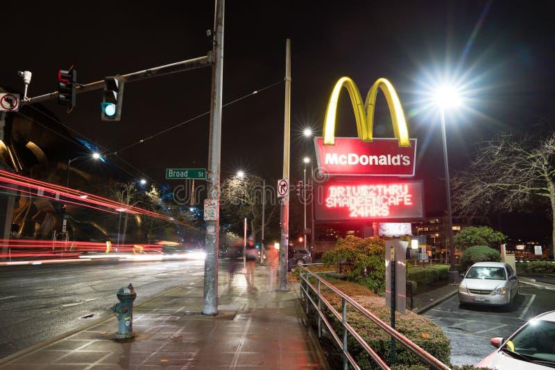 McDonalds restaurang royaltyfria foton