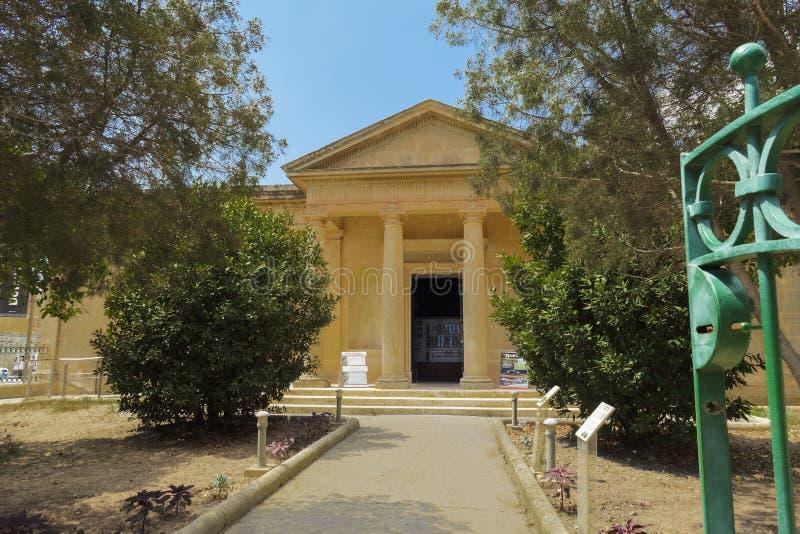 Mdina Rabat, Malta - 4 agosto 2016: Facciata del museo di Domvs Romana Vista di giorno dell'entrata a spirito aristocratico del m fotografie stock libere da diritti