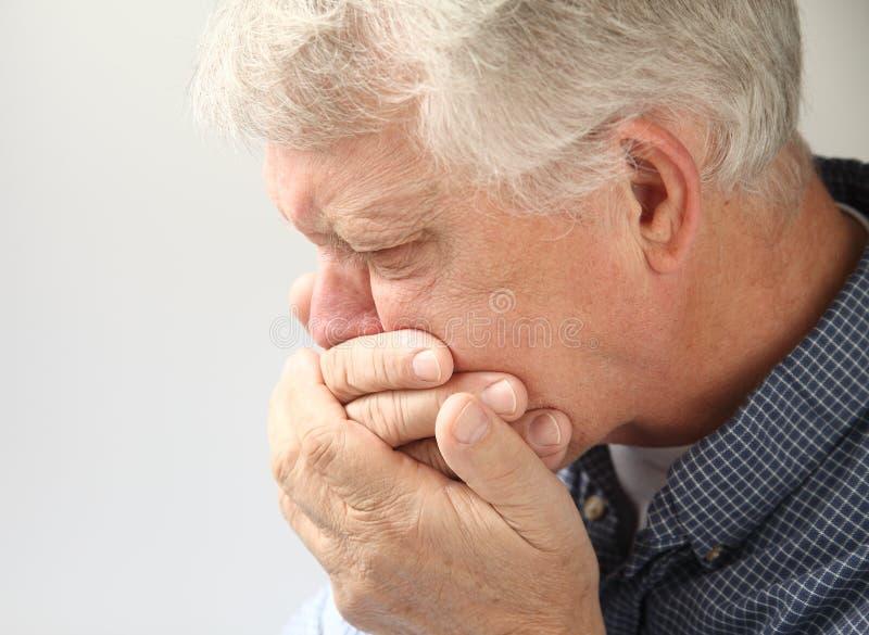 Mdlący starszy mężczyzna zdjęcia stock