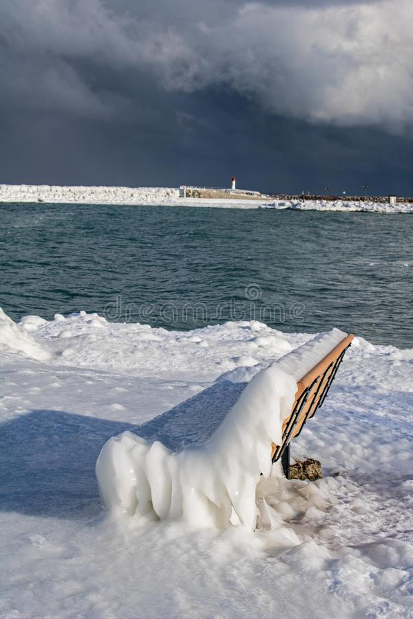 Meaford, Ontario, costa de Canadá cubrió en hielo grueso imagen de archivo