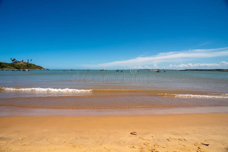 Meaipe strand Vitoria ES i Guarapari Brasilien arkivbilder