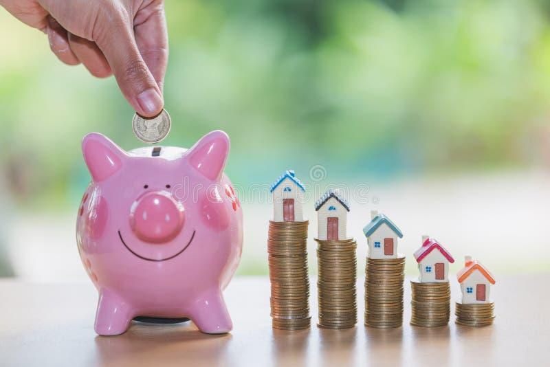Mealheiro, conceito do dinheiro de salvamento para a casa, finança do negócio imagem de stock royalty free