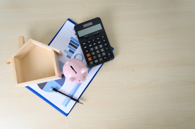 Mealheiro e impostos da calculadora do c?lculo da contabilidade da finan?a imagem de stock royalty free