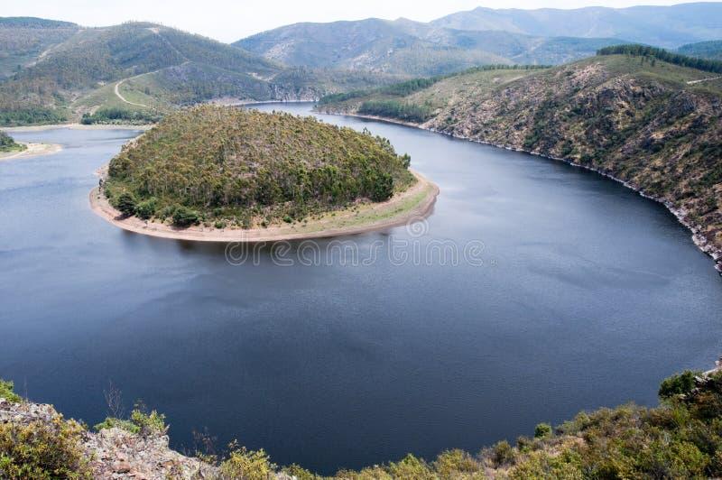 Meander van de Alagon-Rivier, Extremadura stock foto's