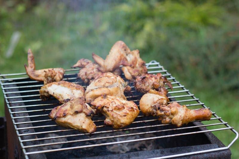 Meat grillar på royaltyfri bild