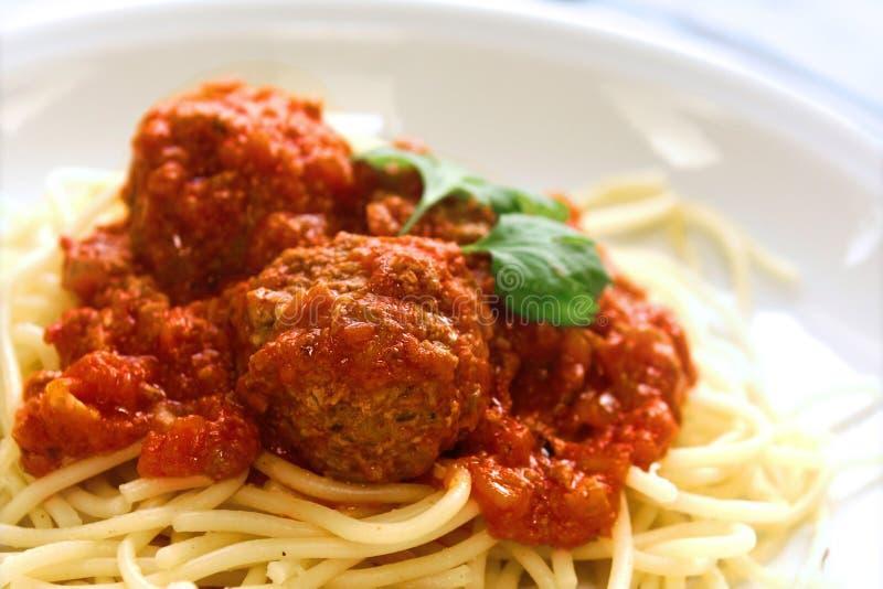 meatballplattaspagetti royaltyfri fotografi